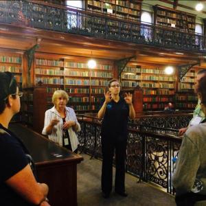 Auslan-interpreted library tour