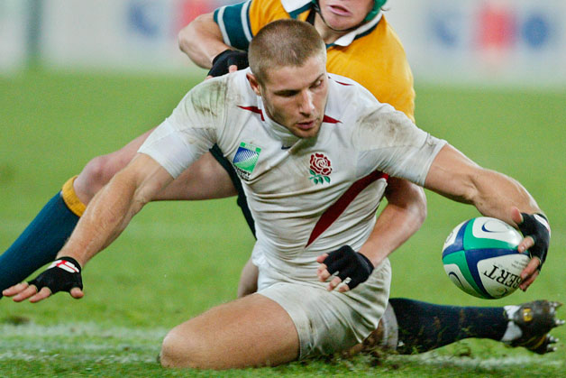 Ben Cohen in action scoring a try for the England national Rugby Union team.